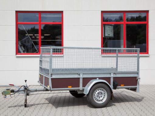 03 | Gitter Anhänger max. 1200 kg gebremst